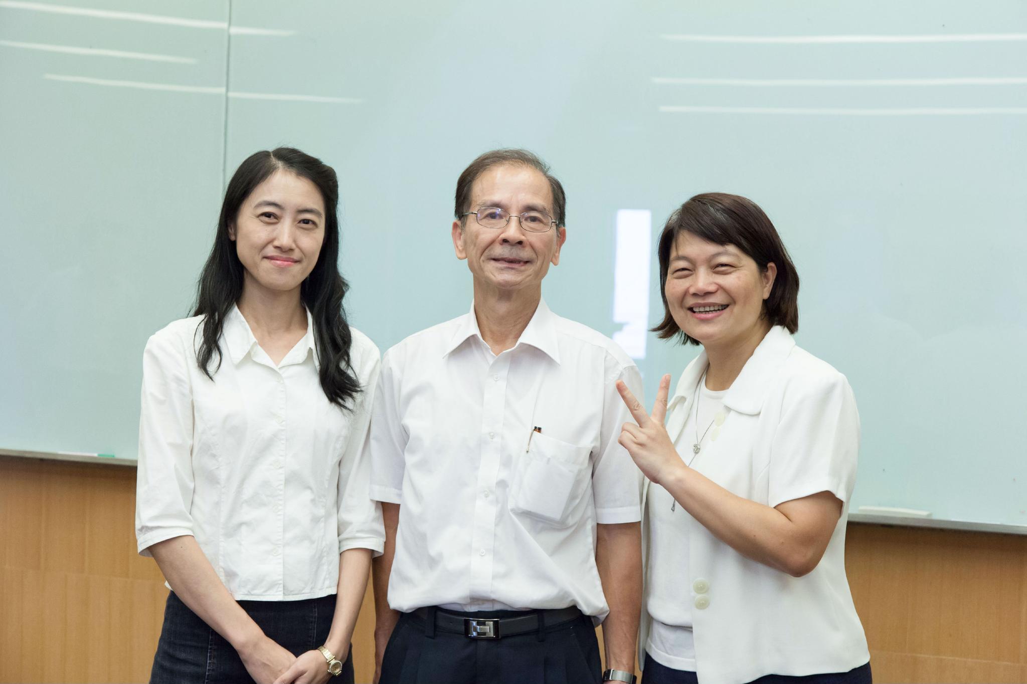 人育學院院長時期重要的助手─美蘭秘書與瓊惠助理.jpg