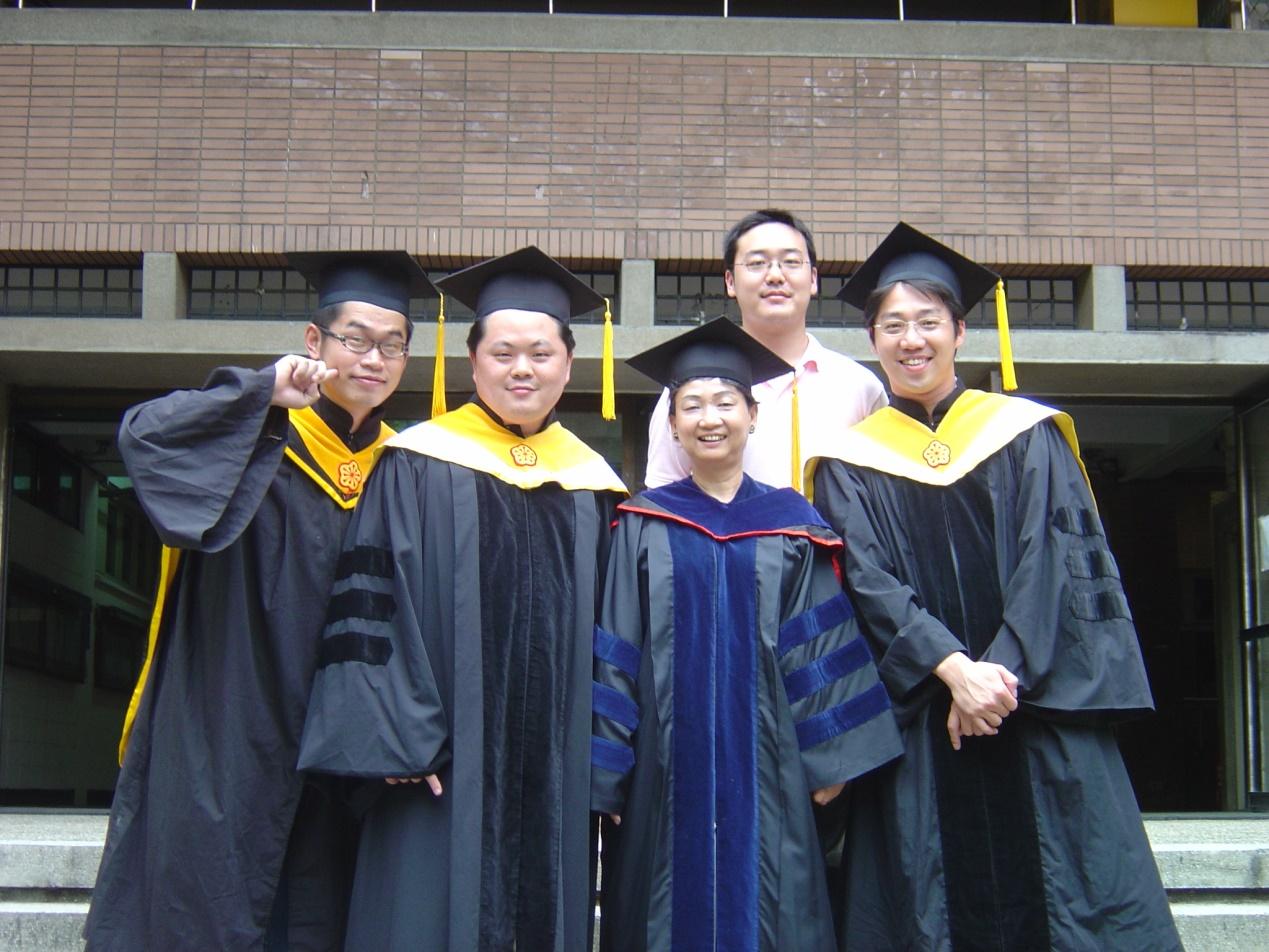 2006研究生畢業.jpg