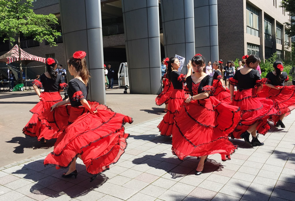 通稿照片03-熱情火紅的西班牙佛朗明哥舞是中原大學四國文化節特色之一.JPG