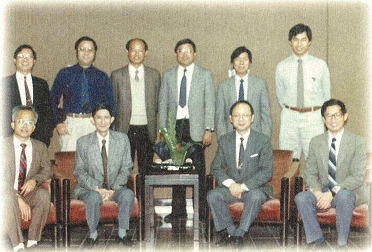 中原大學教育宗旨與教育理念起草小組成員珍貴合照.jpg