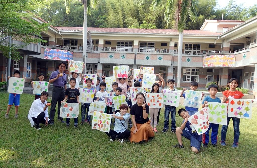 07-中原大學USR計畫帶領景山國小學生進行藝術創作,將社區特色融入孩子的創造力.JPG