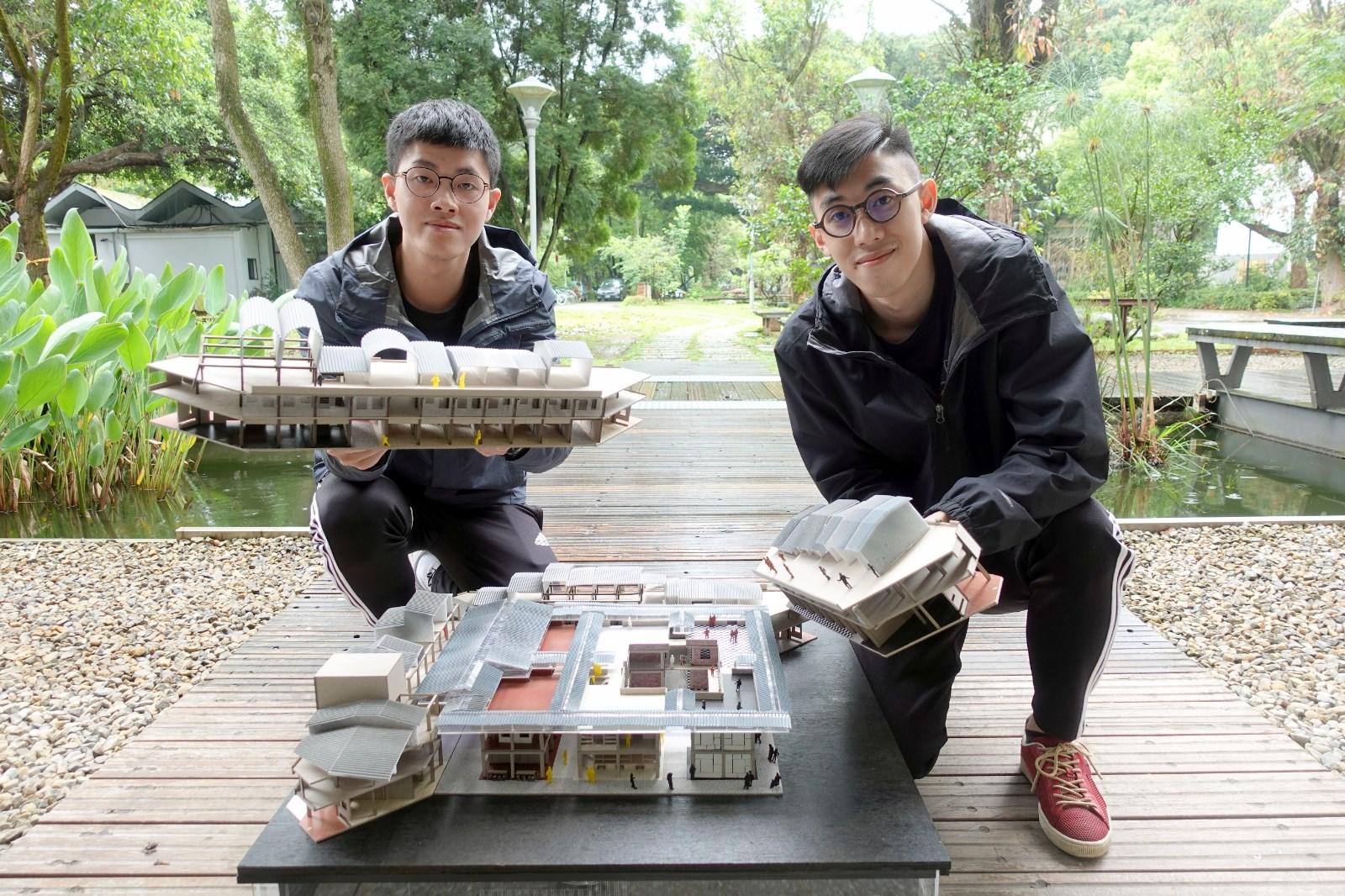 王彥橋(右)與唐忠群期望能將台中忠信市場打造成年輕人愛去的慢活藝文空間.JPG
