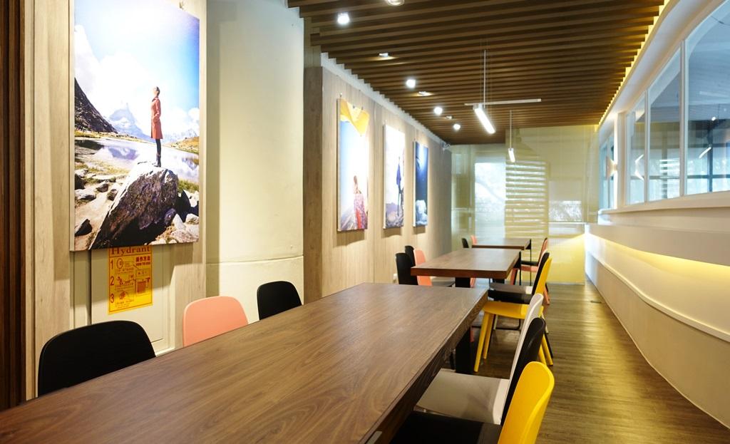 明亮的採光設計和典雅的空間設計是學生專屬的樂學園.JPG