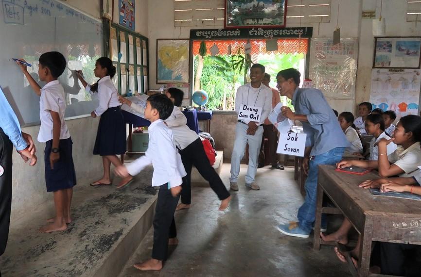 中原大學師生持續回訪柬埔寨暹粒省波克縣偏鄉進行「村落英文種子教師工作坊」服務.JPG