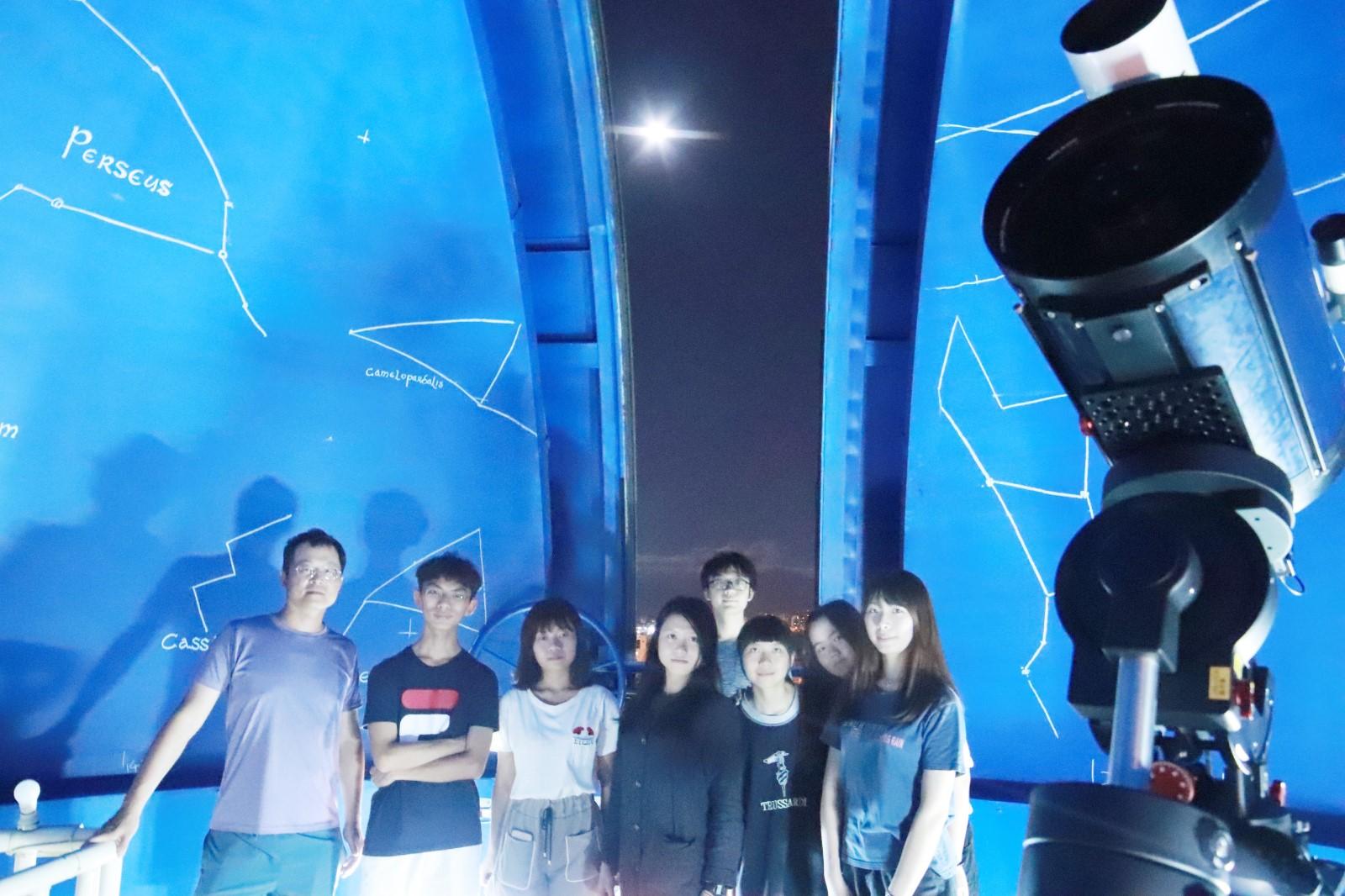 中原天文社由一群熱愛星空的學生組成,學生期待中秋賞月活動,歡迎民眾共襄盛舉。.jpg