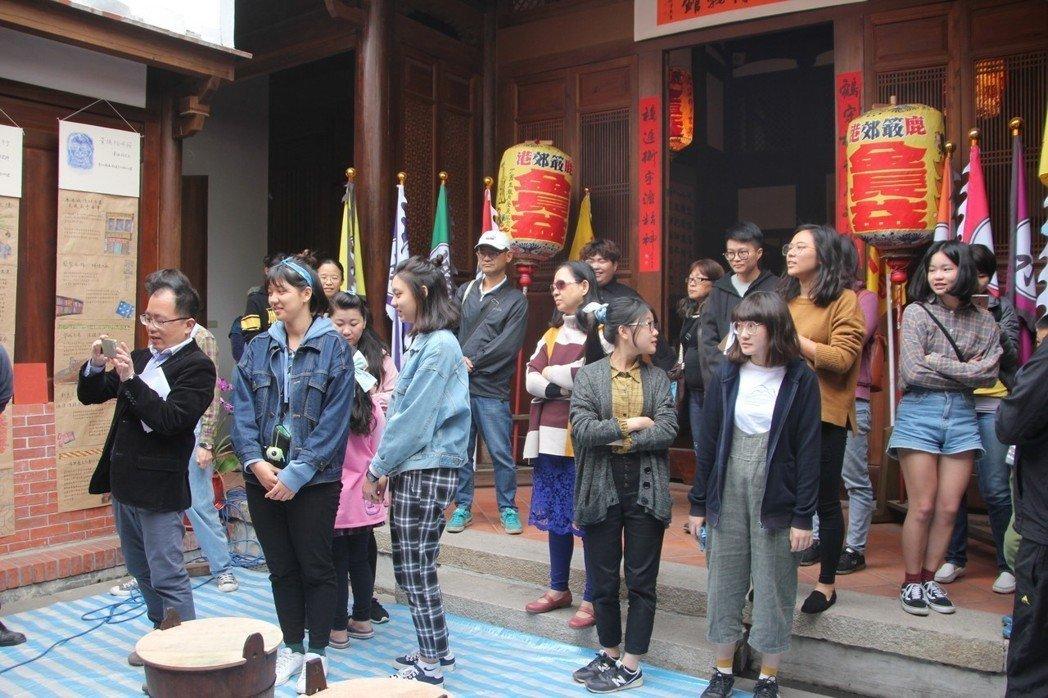 【聯合報】學生「蹲點」走進鹿港 文化再造展現行動力