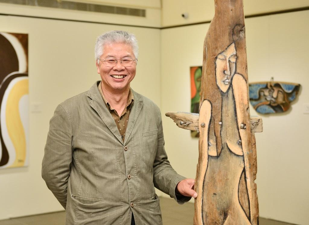 中原大學校友楊樹森 以漂木藝術呈現藝術與信仰的力量