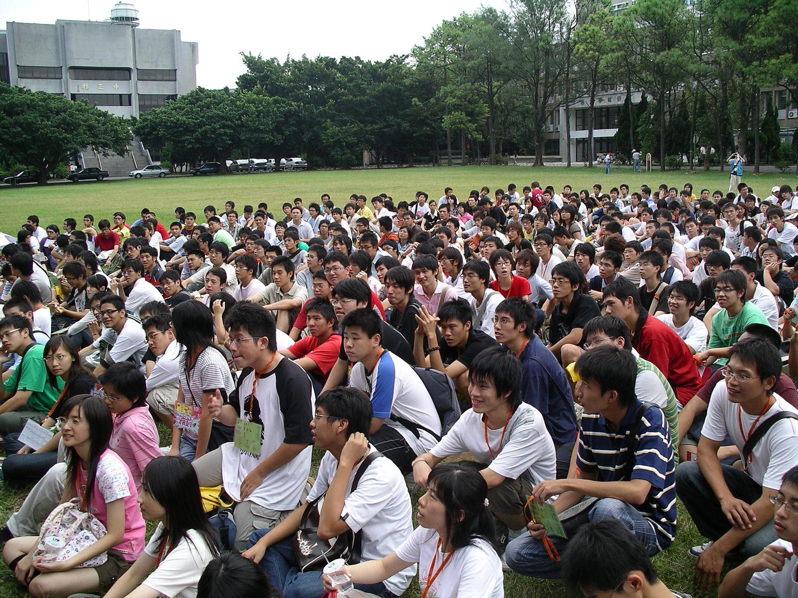 中原大學辦「新生體驗營」 九成新生熱情參與