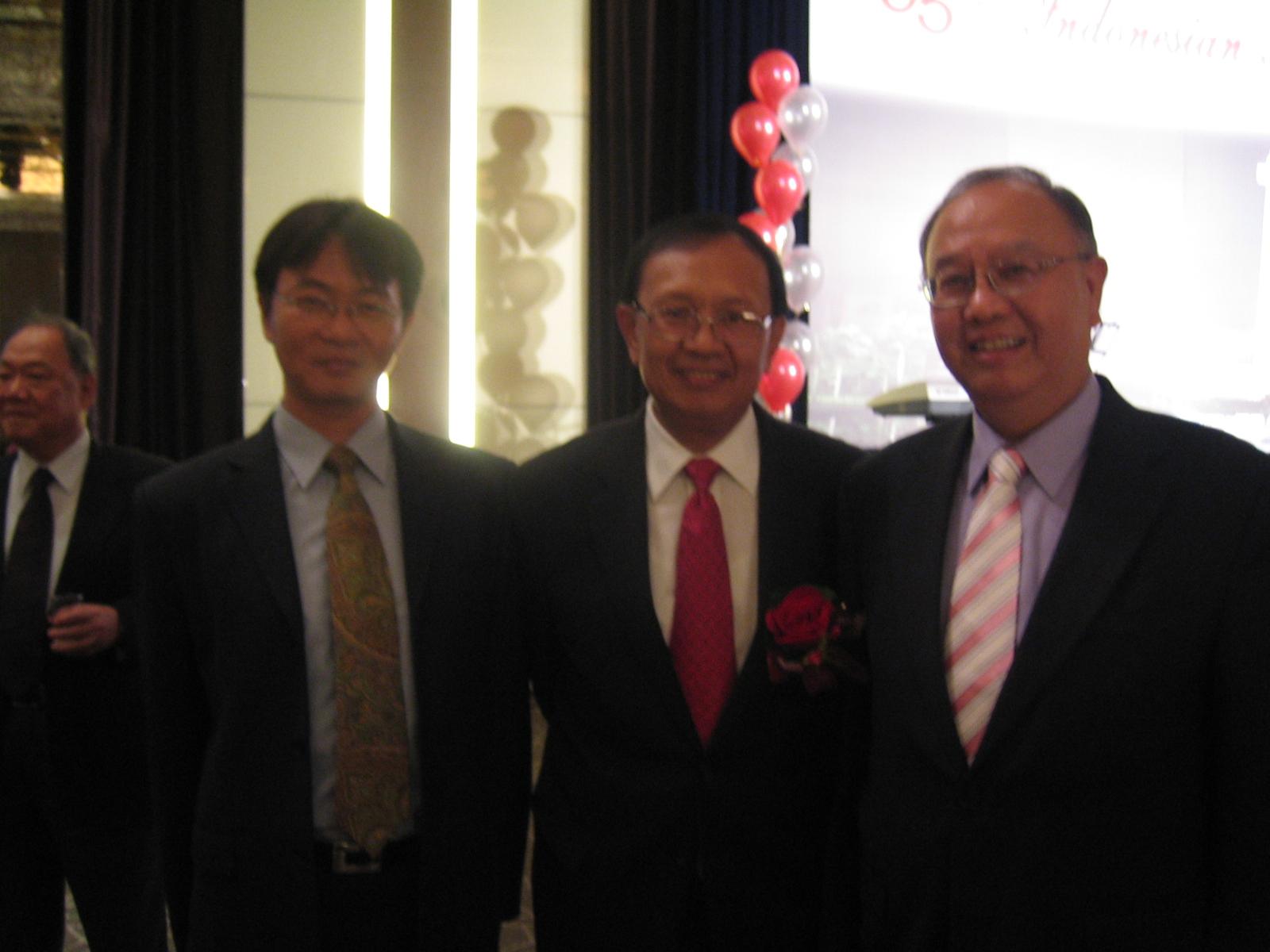 為印尼高等教育展暖身 程校長參加印尼國慶晚宴
