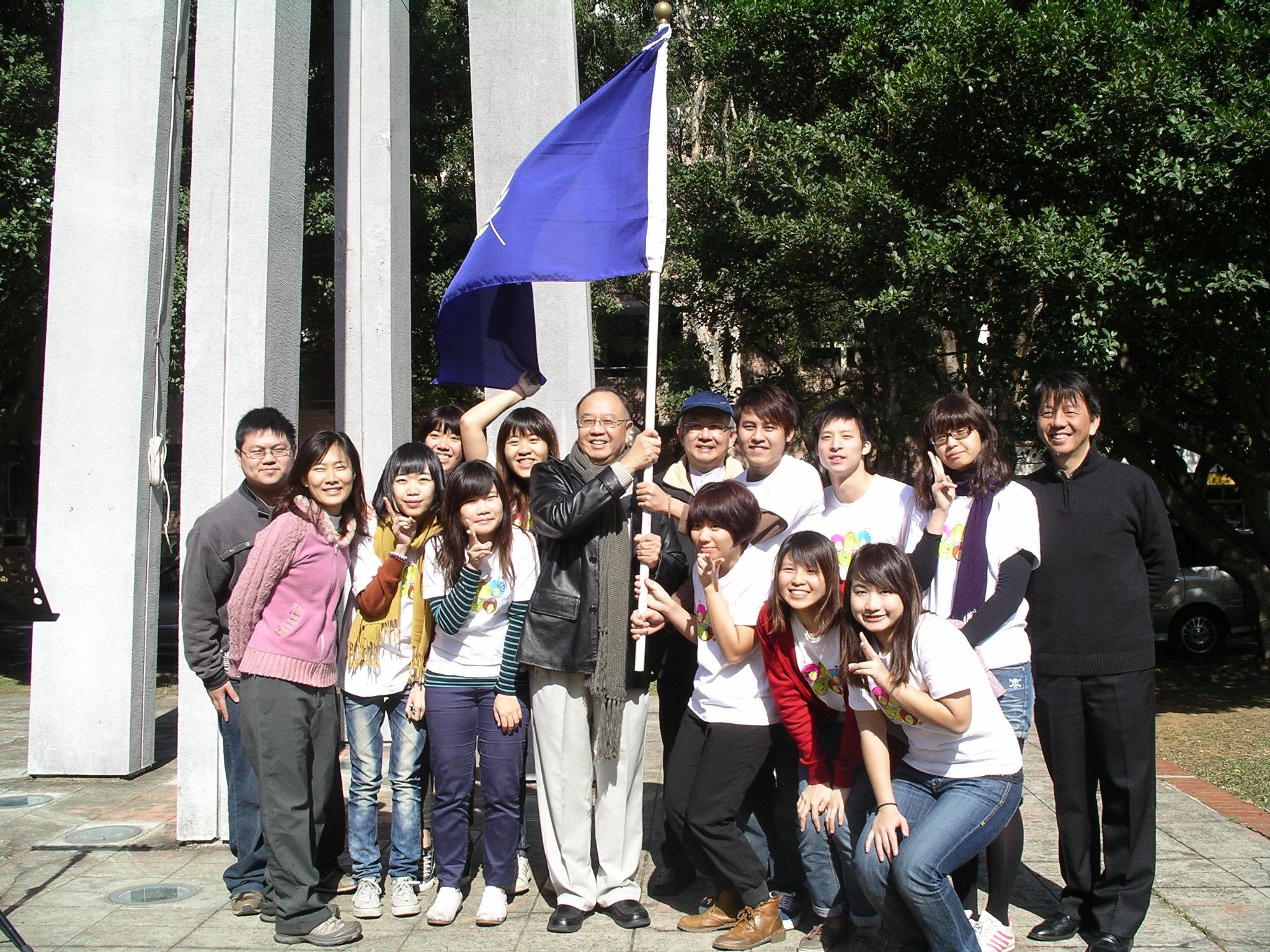中原大學海外志工寒冬送暖 前進柬埔寨、北印度關懷服務