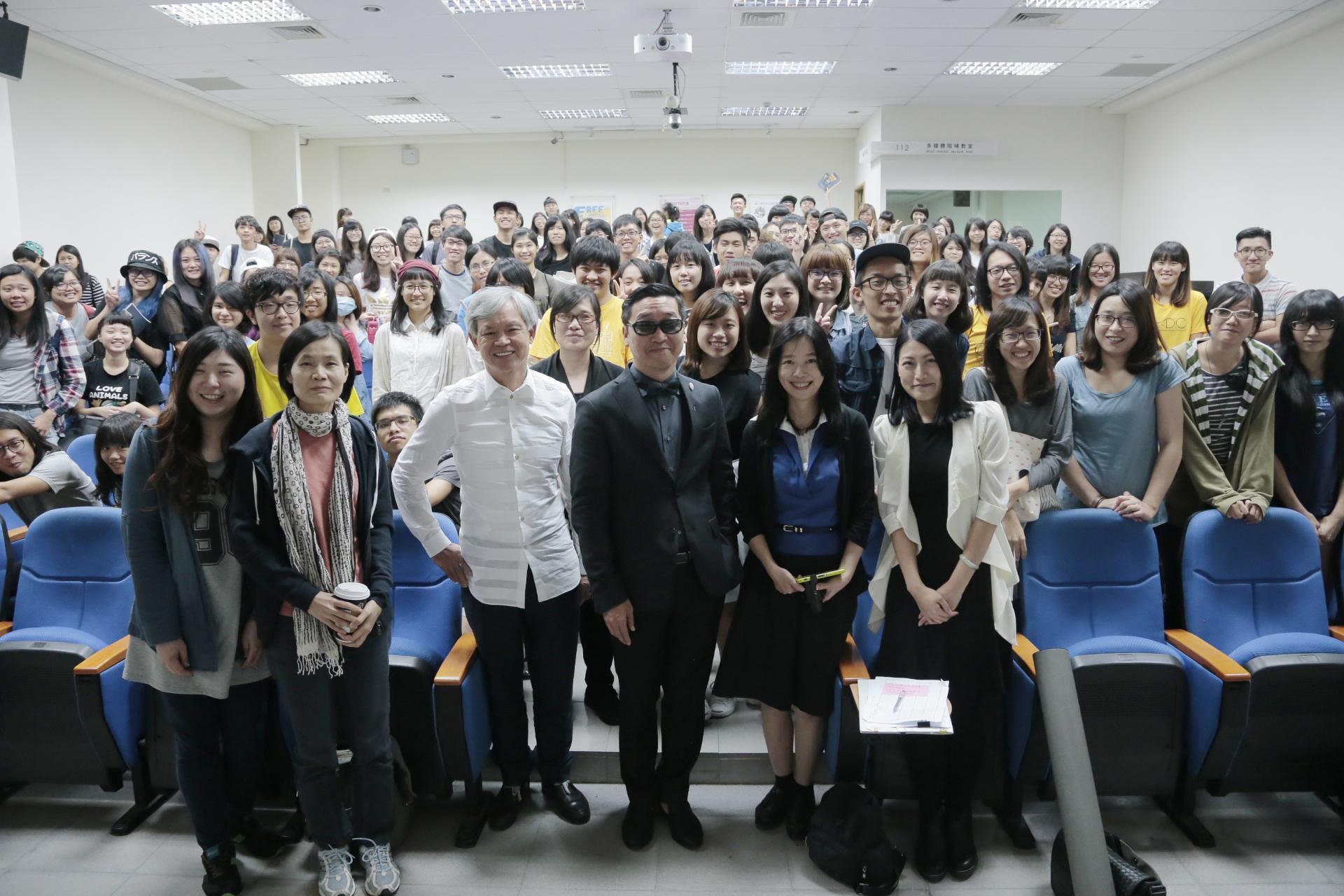 總統文化獎創意獎陳俊良 期勉學生 走大路,做自己!走對了就不害怕遙遠