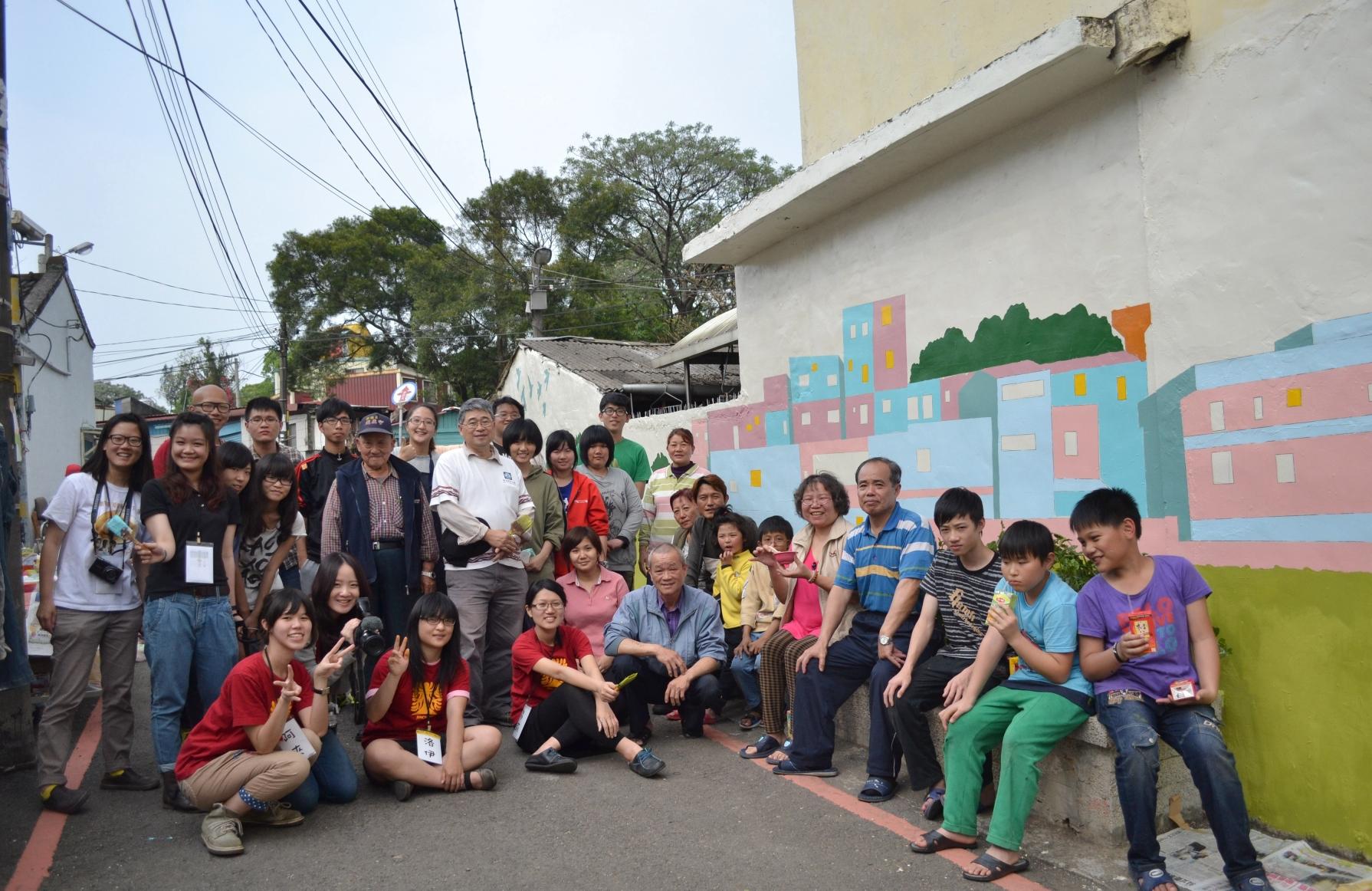 金城社區換裝添新意 彩繪外牆訴說小城故事