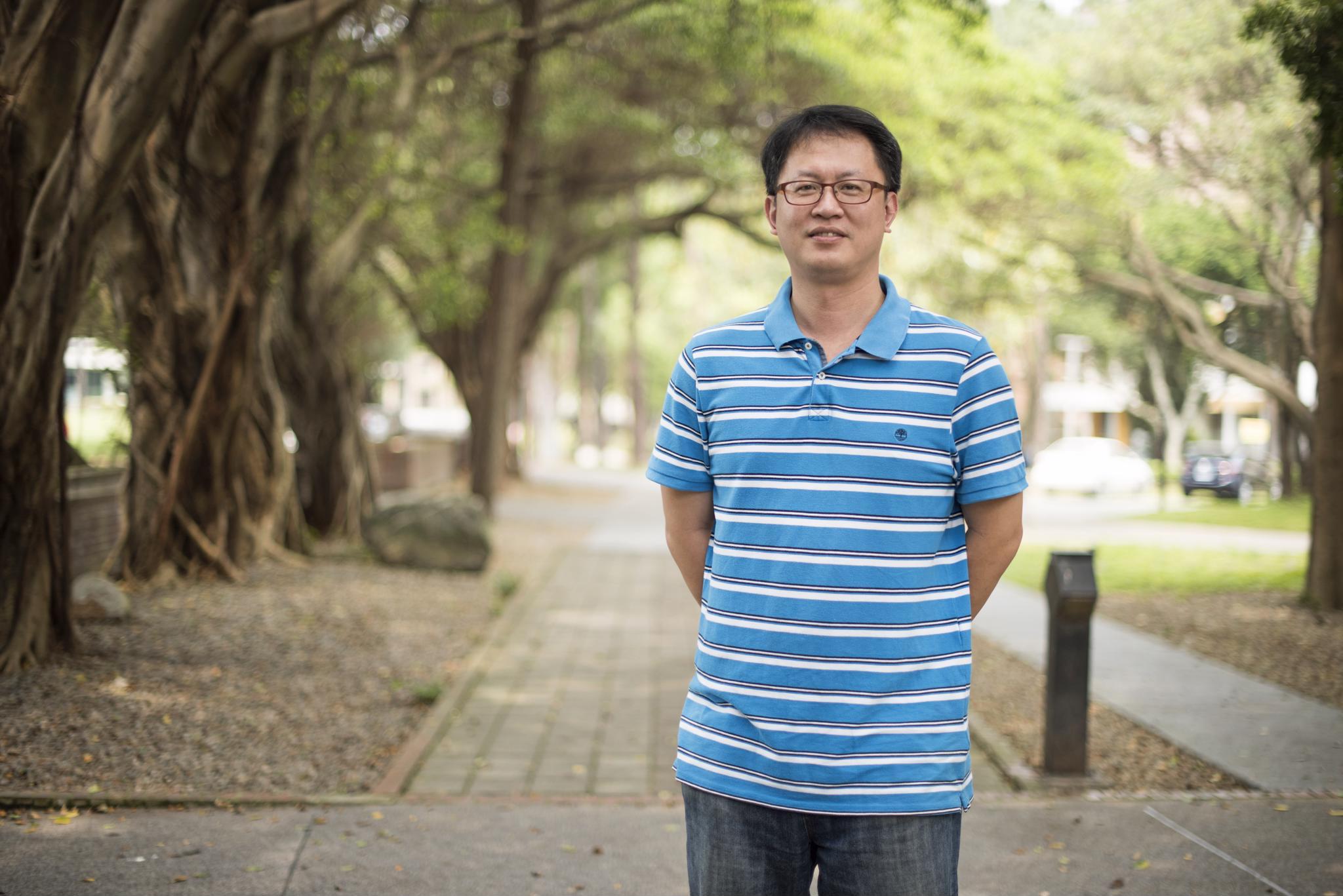 106優良導師系列報導-資管系李國誠:盡力扮演關心及陪伴的角色,彼此分享。