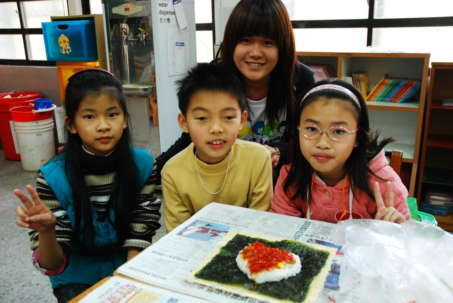 桃聯會、書法社 寒假帶小朋友做創意壽司