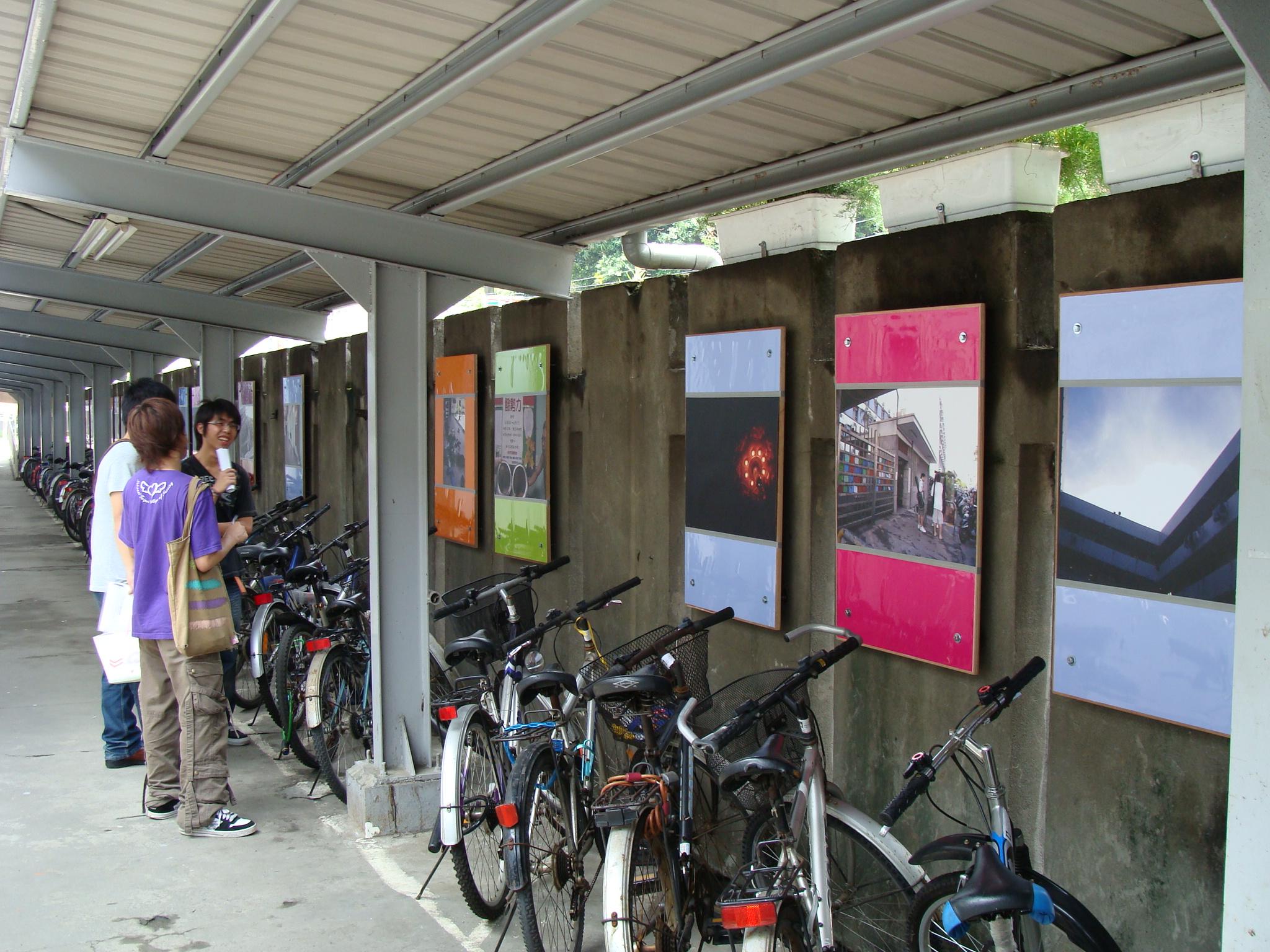行動參與式設計 中原大學宿舍車廊變藝廊
