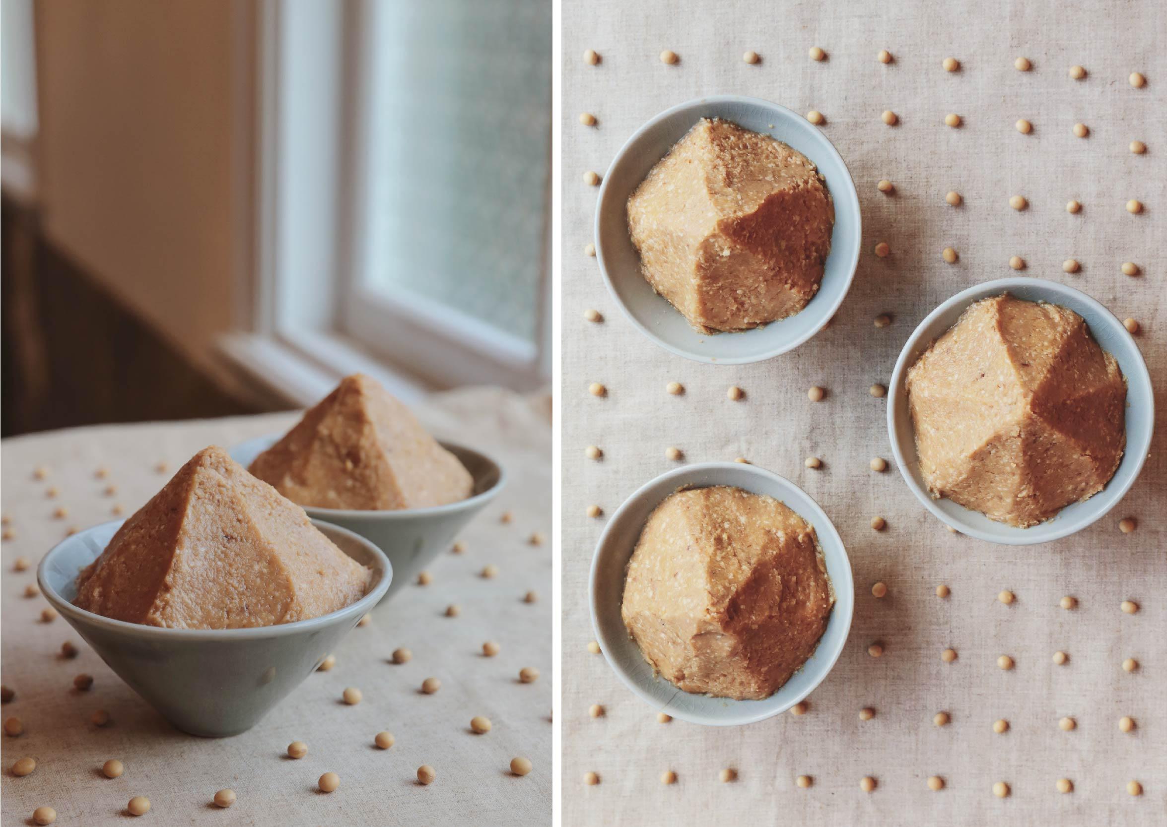 手作木桶封存  將米麴、黃豆、鹽巴,封存在三峽老師傅的手工木桶中,並讓益菌自然生成風味,不額外添加任何化學原料。 | 禾乃川國產豆製所 | 改變生命的豆漿店