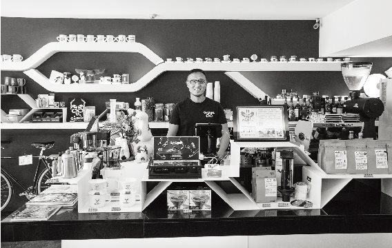 堅持 每一杯咖啡品質的精神    延續 每一股味蕾上癮的滋味