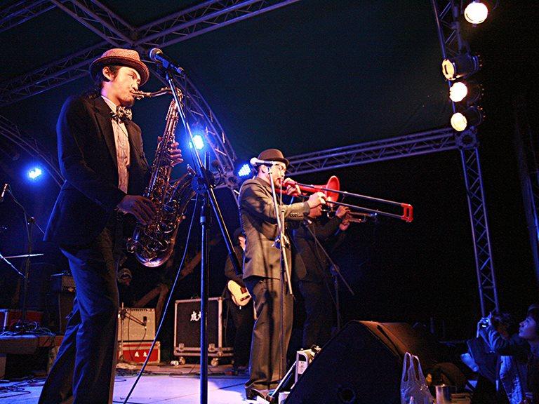 狂熱的紳士,台灣唯一融合管樂的SKA樂團 - SKARAOKE司卡拉OK大樂隊