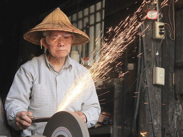 百年淬鍊 - 泉利打鐵鋪