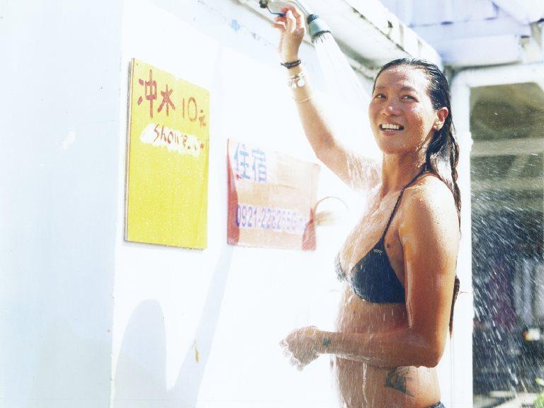 〖主題企劃〗我的家在海邊!住海邊生活提案 - 衝浪女王貝貝的追浪生活