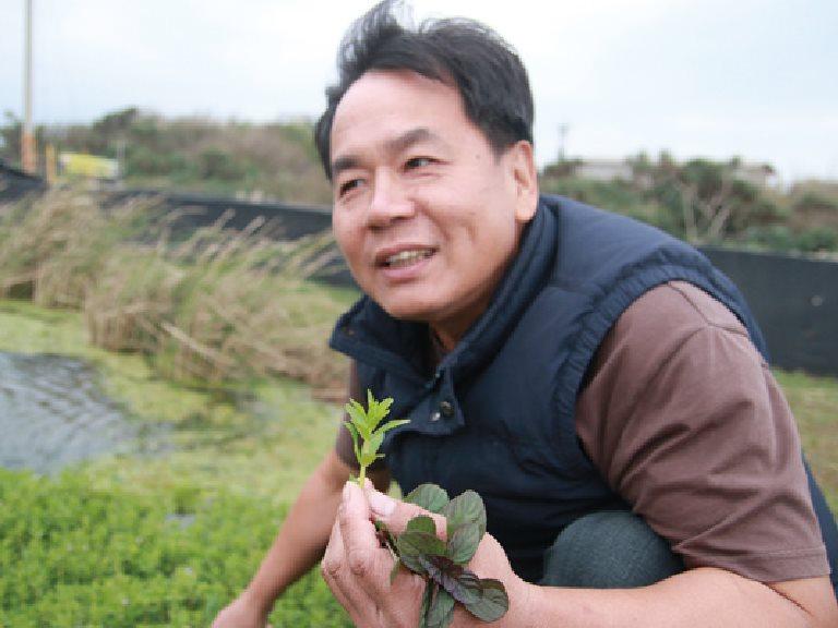 [三芝] 蟹肥筍甜,三芝角白筍與蟹共生蟹 / 蟹農場的主人 呂文華