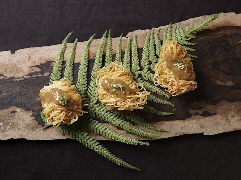 Golden Vermicelli Rolls