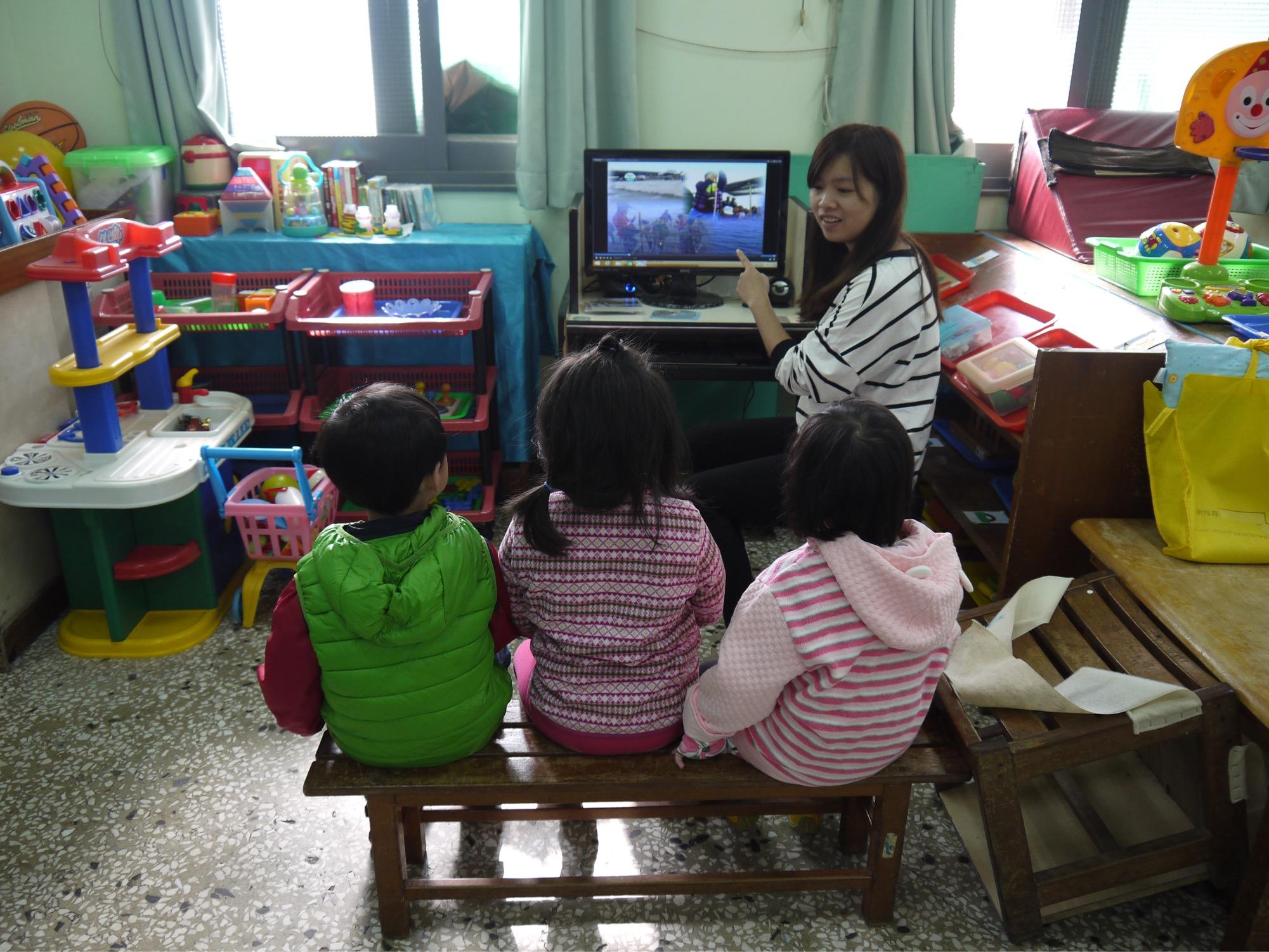 通稿照片-中原大學電子系用專業做公益維修舊電腦提供偏鄉的孩子與NGO組織使用.JPG