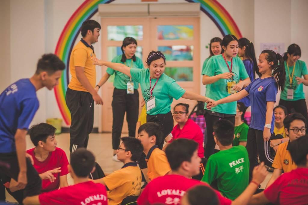 通稿照片09-中原學生帶領華校學生進行各種文化體驗服務學習活動.jpg