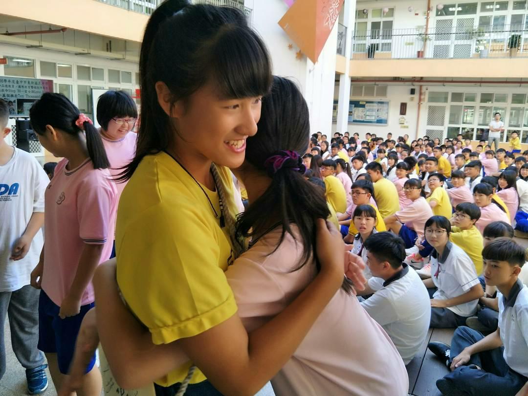 黃沐庭鼓勵女孩勇敢做自己.jpg