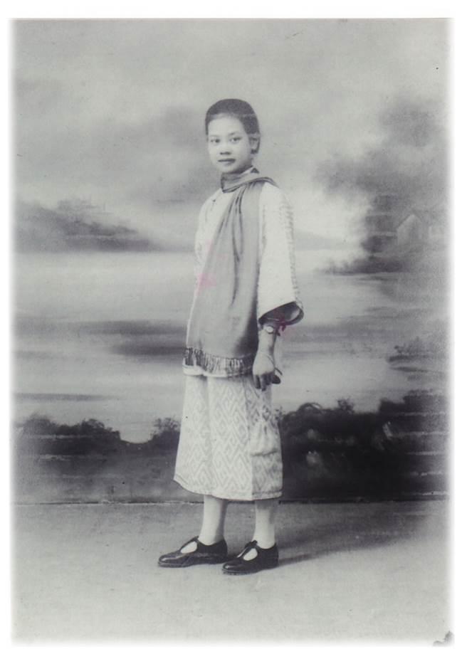 張陳秀德女士-中西女子中學畢業.jpg