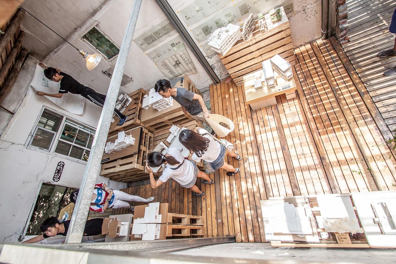 通稿照片-中原大一建築設計成果展選擇「大觀園」作為展場,是藉此訓練學生解決事情的能力與創意,培養團隊精神與向心力(謝統勝攝).jpg