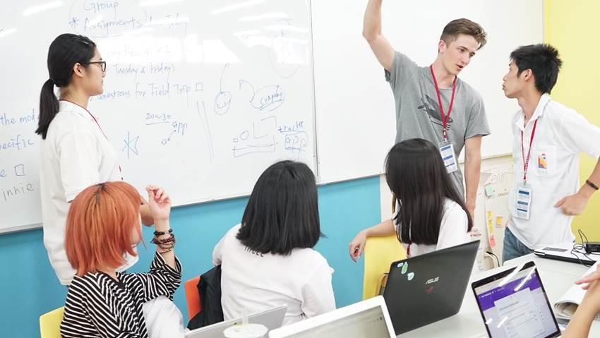 各跨國學生,團隊合作與討論激發創新創意02.jpg