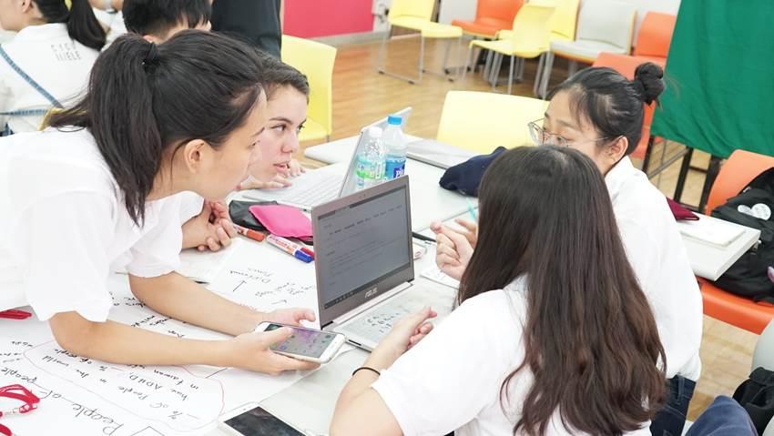 各跨國學生,團隊合作與討論激發創新創意03.jpg