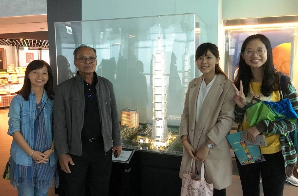 20181011_帶領Ajan至台灣第一高樓101參訪.jpg