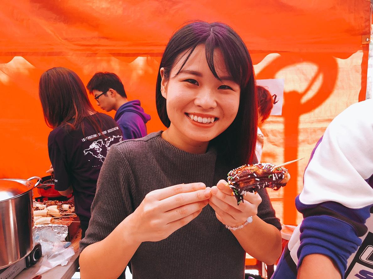由中原大學日籍學生親手製作的巧克力香蕉讓人讚不絕口.jpg