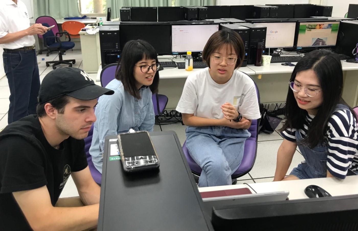 中原大學國際營隊,來自不同國家的學生互相學習、激盪創意。.jpg