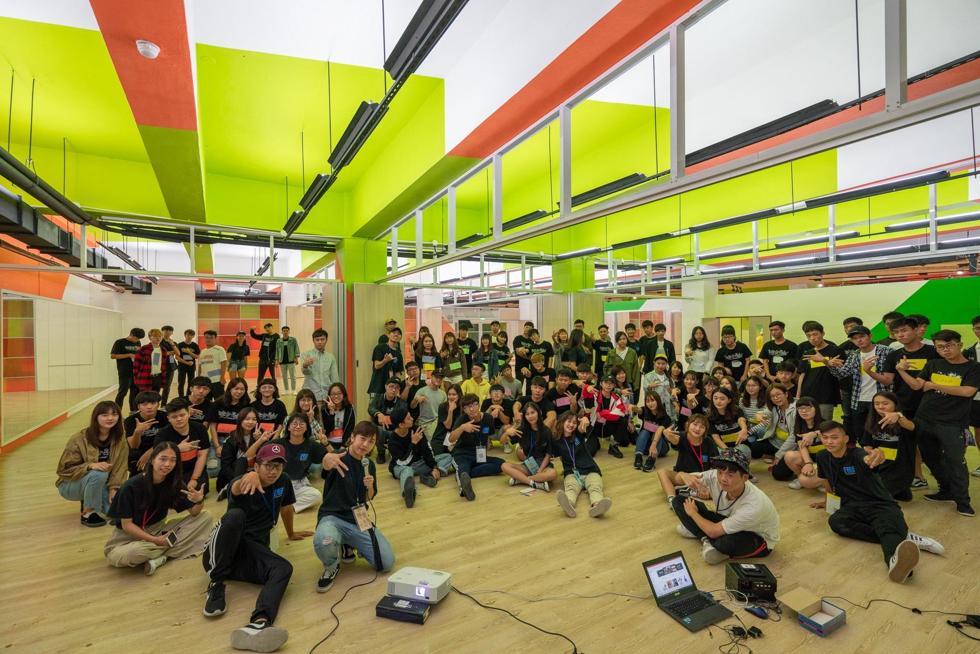 中原大學打造239坪「樂河源地」的社團活動空間,學生將個人充沛的體力及躍動的思想盡情發揮於此。.jpg