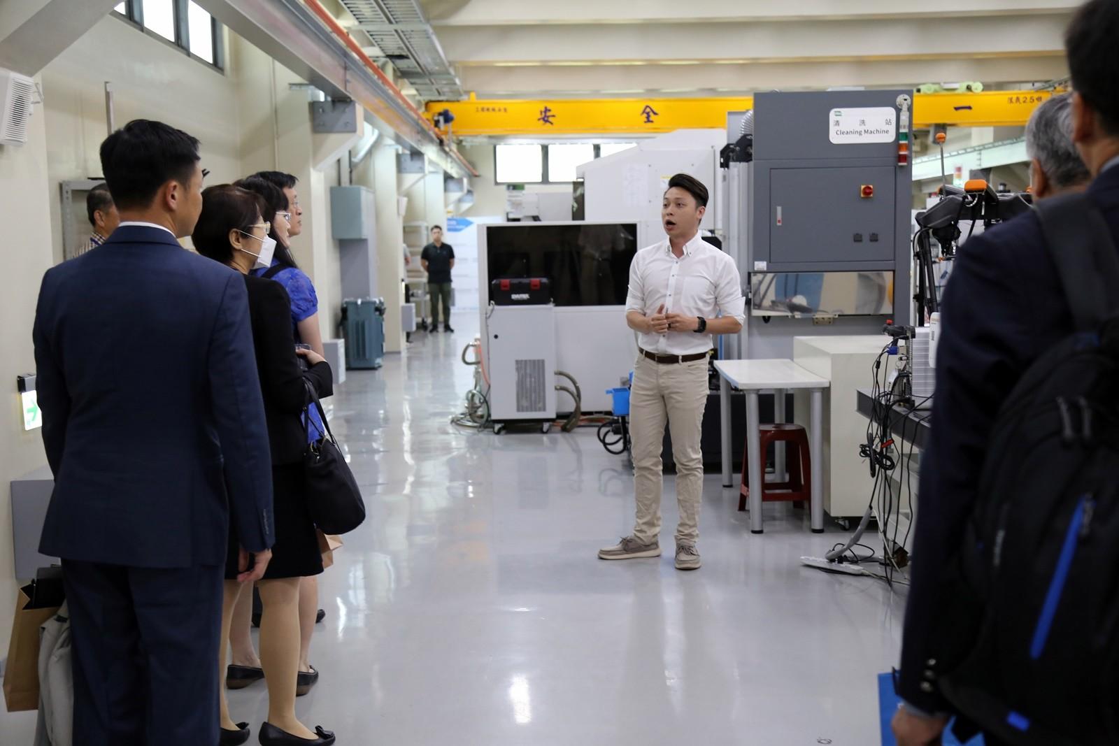 中原大學知行領航館暨工業4.0示範基地,是科技部鼎力支持的國際產學聯盟發展重點。.JPG
