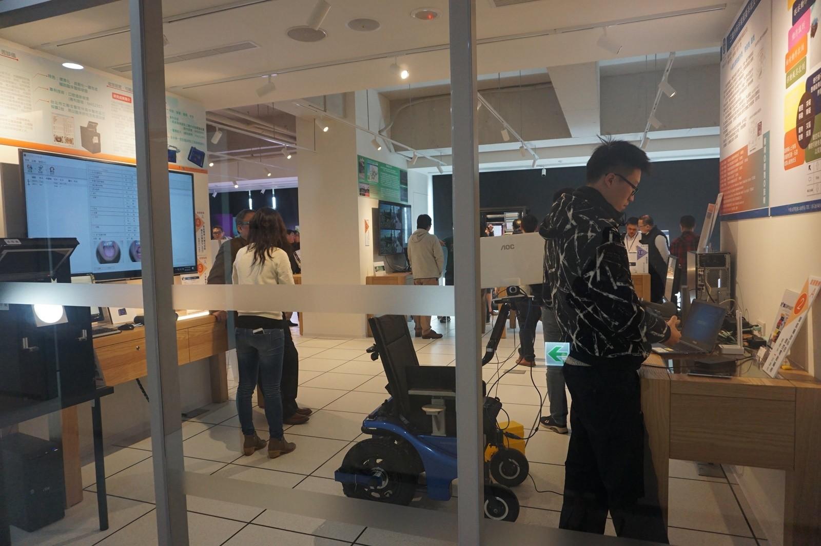 知行領航館二樓「科建物聯網展示廳」.JPG