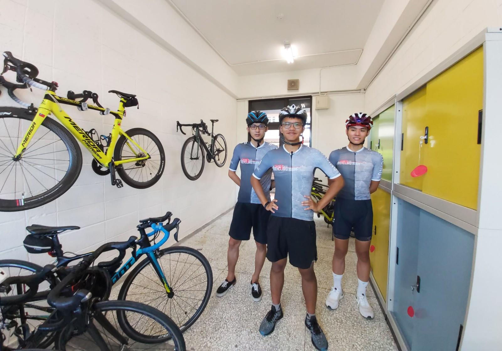單車休閒社,很快將設備就定位,喜迎新社員的加入。.jpg