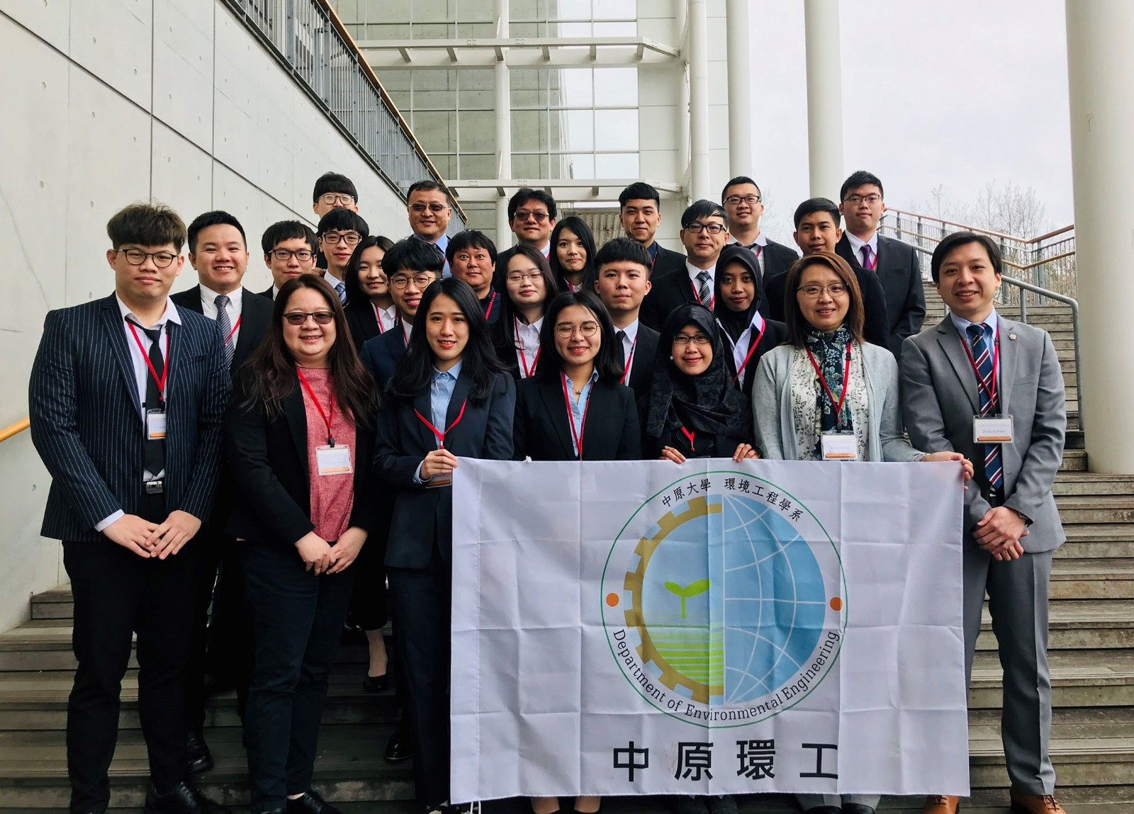 中原環工在北九州市立大學舉辦台日四校研討會,外籍生也一同參與交流研習。.jpg