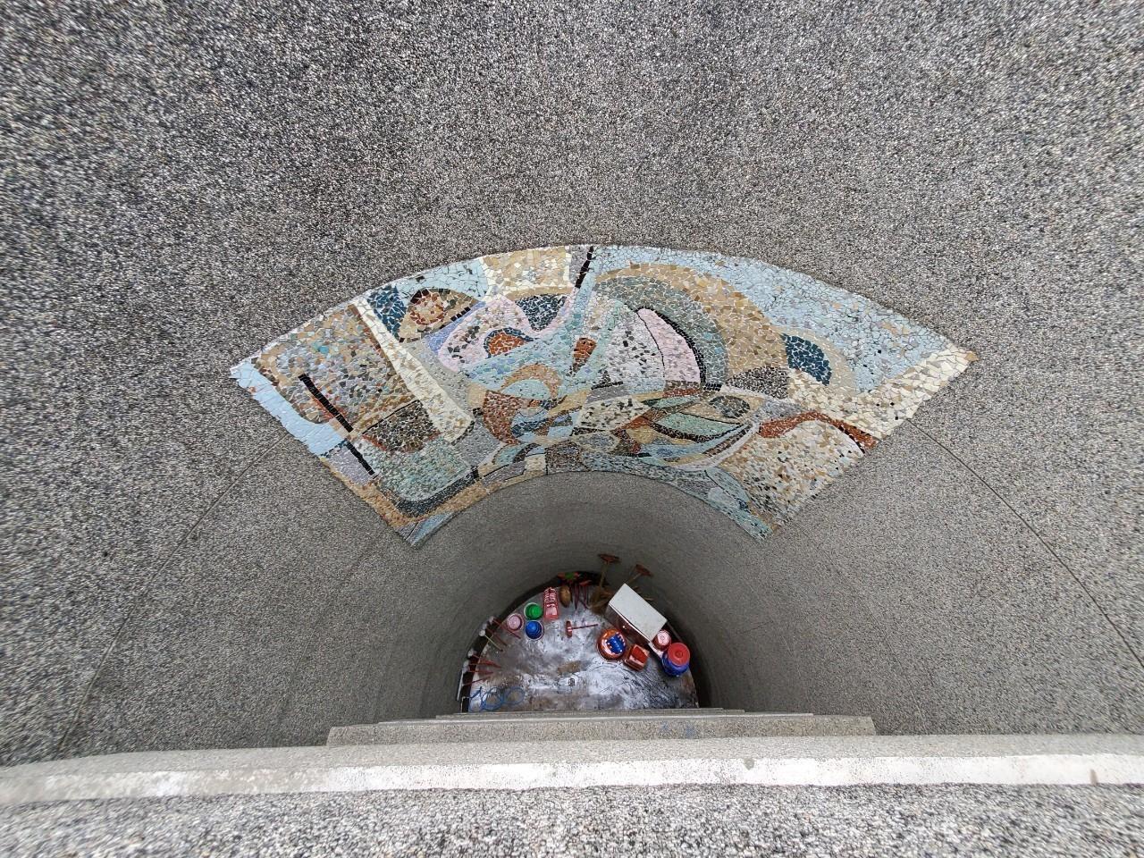 建築系館洗石子牆面的圖案裝飾.jpg