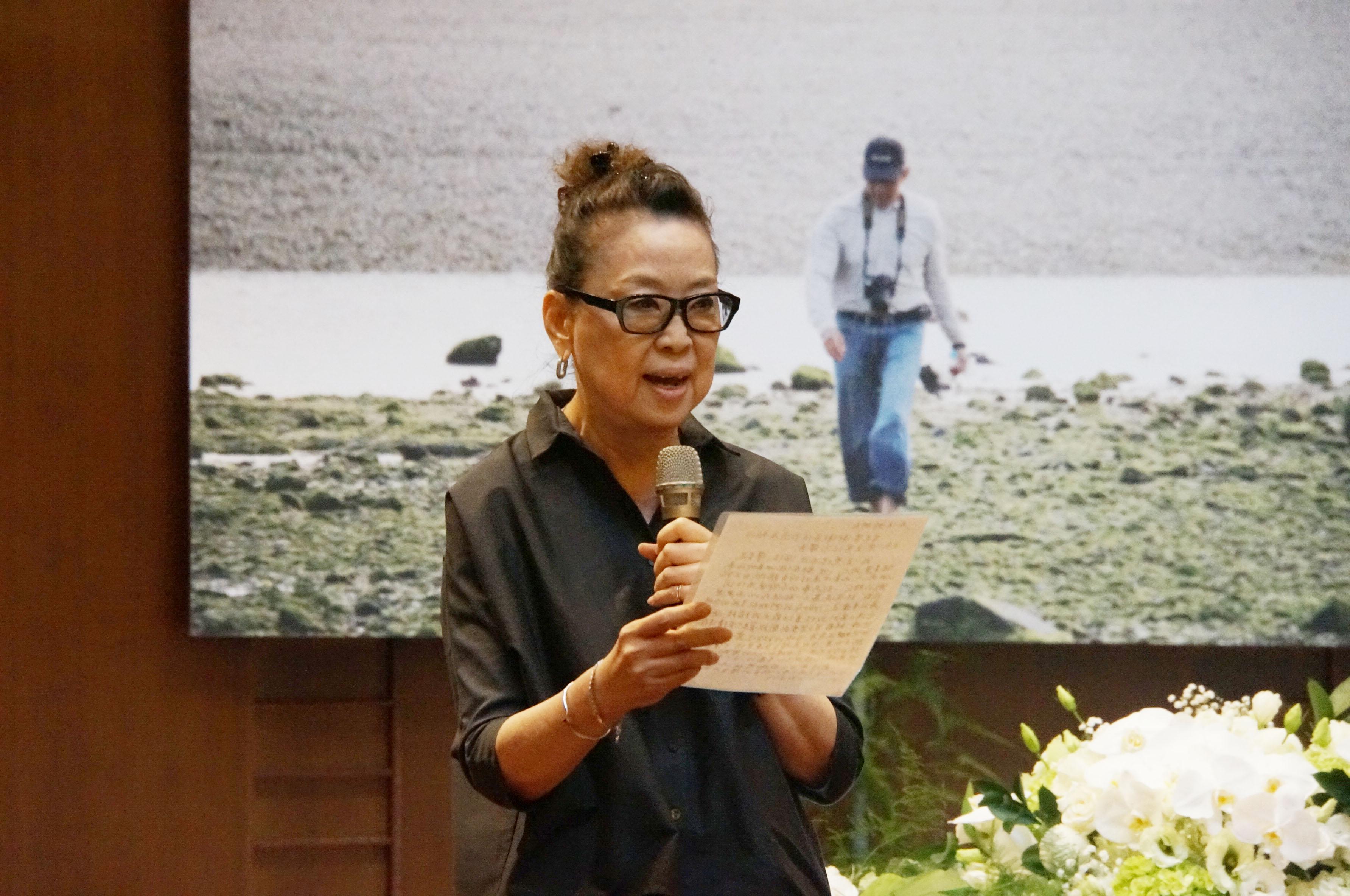 師母楊世芝女士向與會者致謝,感謝大家的友誼並永誌不忘.jpg