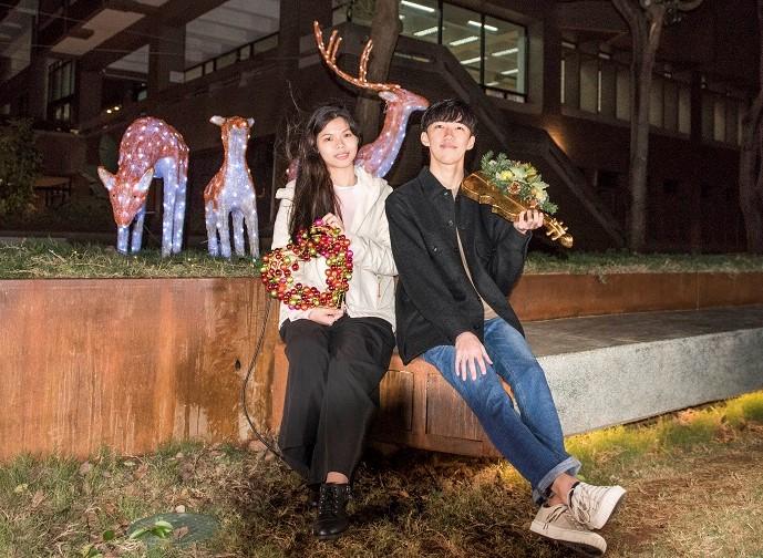 中原大學泉源之谷的麋鹿家族帶來聖誕節歡樂的氣氛.jpg