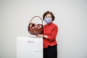 傳統竹編工藝技術保存者涂素英與其作品.jpg