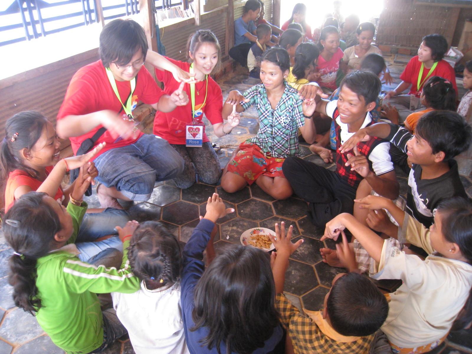 暑期海外志工服務 『柬』不斷的愛四班延續感動與愛