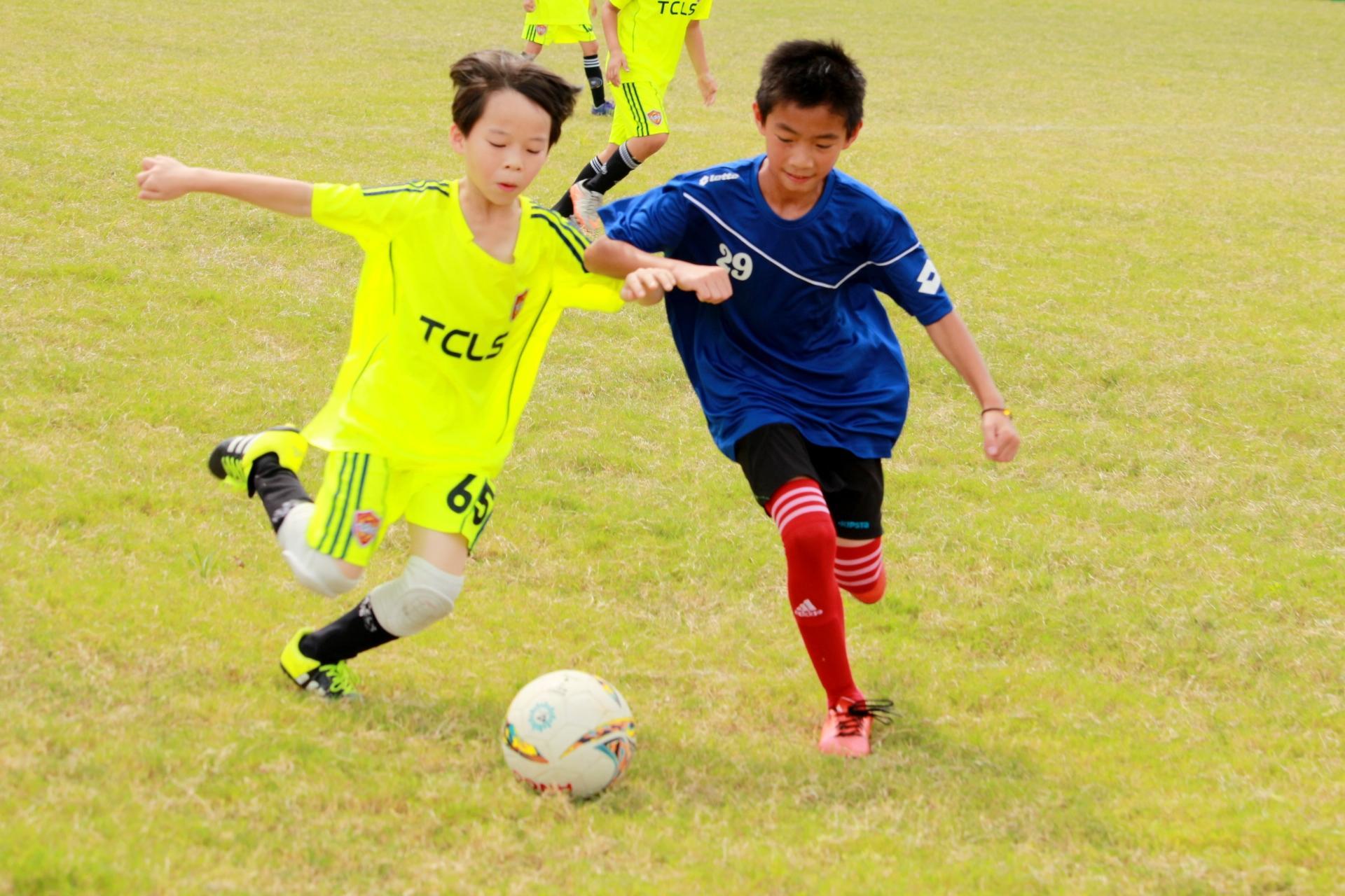 2016中原大學桂冠超級盃少年足球賽開打 推動全民健康樂活的運動精神