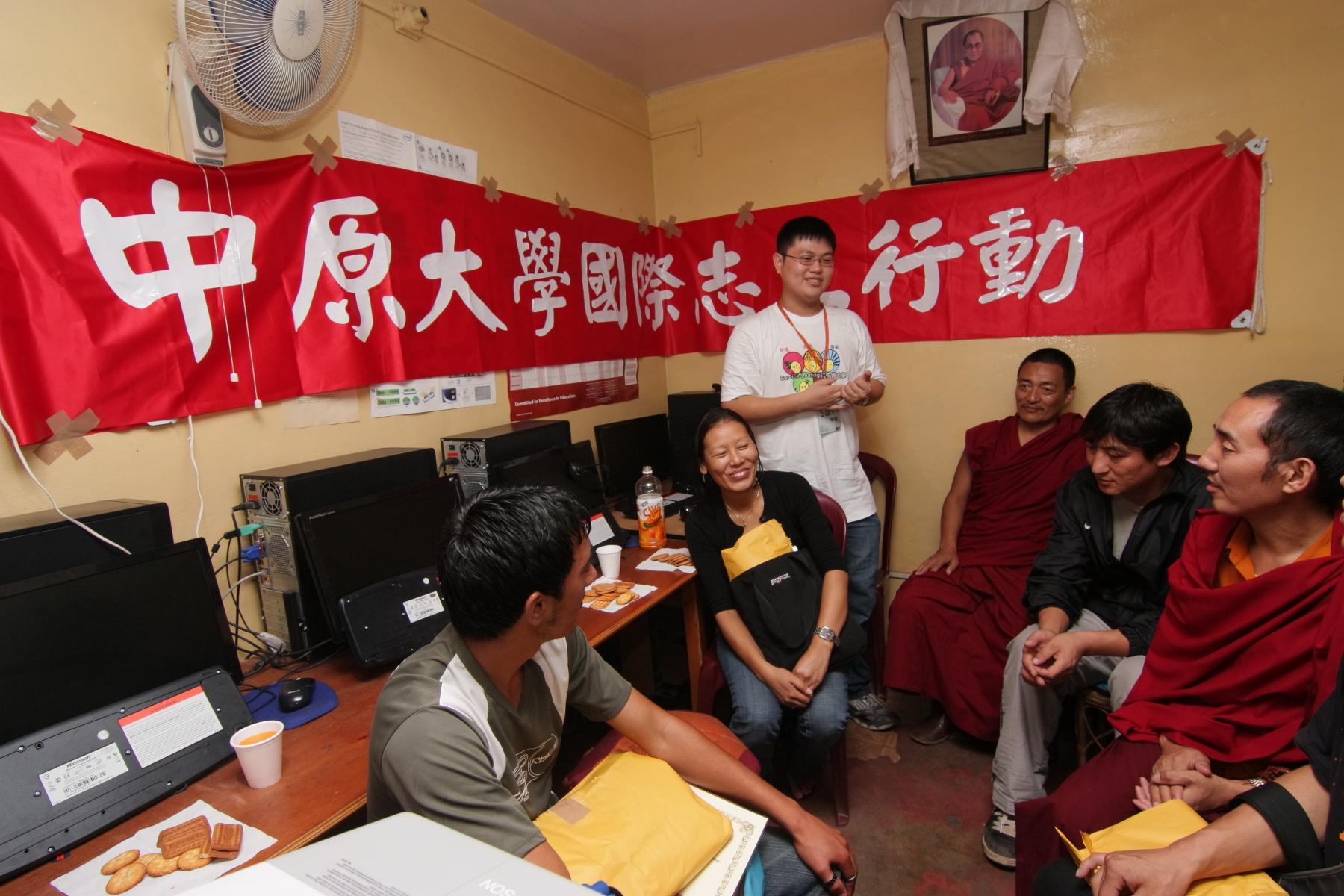 中原學生前進北印度 打造藏人數位花園