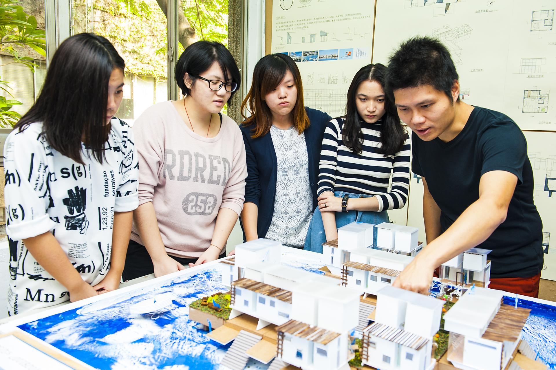 2016兩岸四地百強大學 中原大學連續6年穩居臺灣私校龍頭
