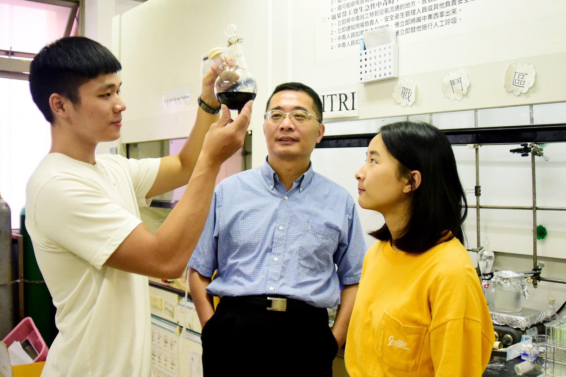 106研究傑出教師系列報導─化學系葉瑞銘:正能量思考!轉化學習的壓力成為驅動力!